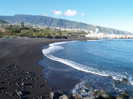 Six of the most picture perfect beaches in tenerife graybit for Aparthotel jardin de playa