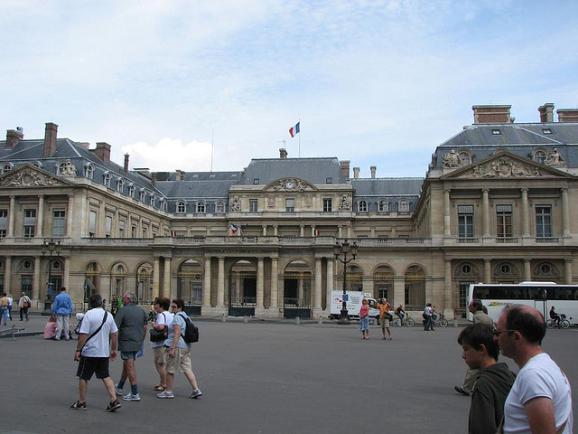 Graybit www.graybit.com - World travel blog family holiday vacation website -  Business Trips Top Tips for Business Trips in Paris