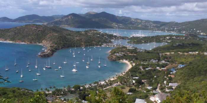 Take an Antigua Holiday and Experience Spectacular Beaches