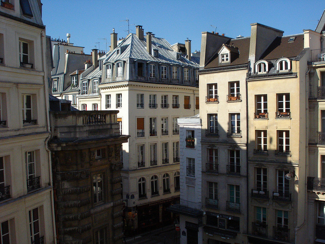 Graybit www.graybit.com - World travel blog family holiday vacation website - Apartments Living like Locals in Paris Apartments