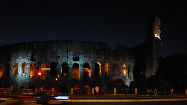Graybit www.graybit.com - World travel blog family holiday vacation website - Colosseum Night Tour Tours in Rome, Italy- Unique Ways to Uncover Roman Magic
