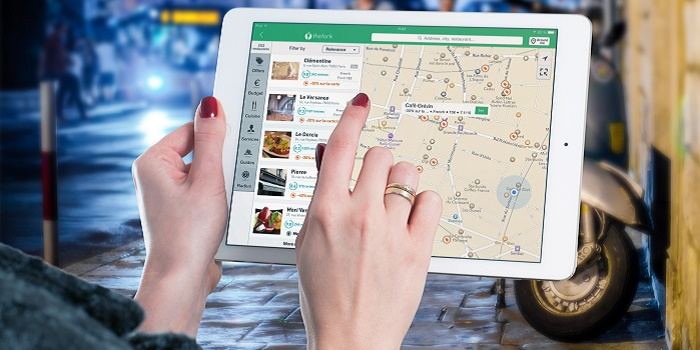 Travel the World: Best Apps While Traveling with Smartphone
