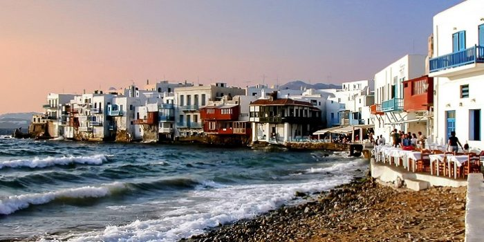 Your Guide to a Luxury Holiday in Mykonos, Greece