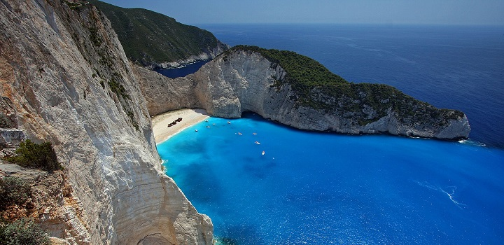 Your Ultimate Guide to Island-Hopping in Greece